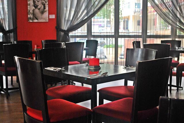 Friendscino - Formal seats