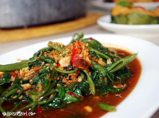 Stir Fried Kangkung with Belacan (RM 10.50)