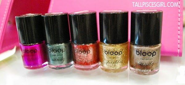 Cheer up your days with colorful nails!