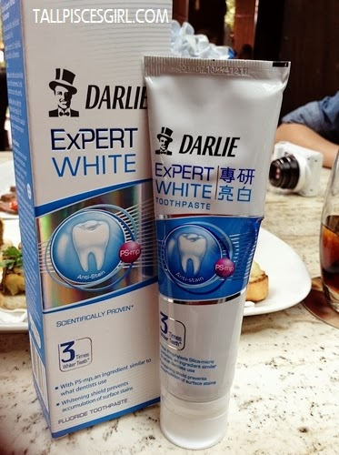 Darlie Expert White (Can you believe I ter-typed Darling Expert White? LOL!)