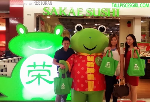 Had a fun night at SAKAE SUSHI! We'll be back for more!