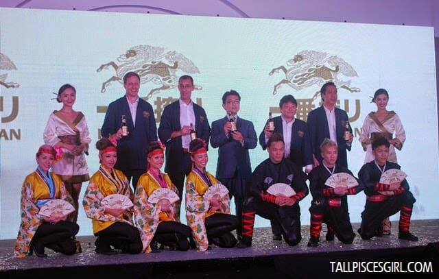 Bruce Dallas (Marketing Director of GAB), Hans Essaadi (Managing Director of GAB), Hiroshi Matsuura (Deputy Chief of Mission of the Embassy of Japan), Tatsuo Hayashi (Deputy General Manager of Kirin Brewery Company, Japan) and Thum Chee Yuen (Sales Director of GAB) marked the arrival of Kirin Ichiban