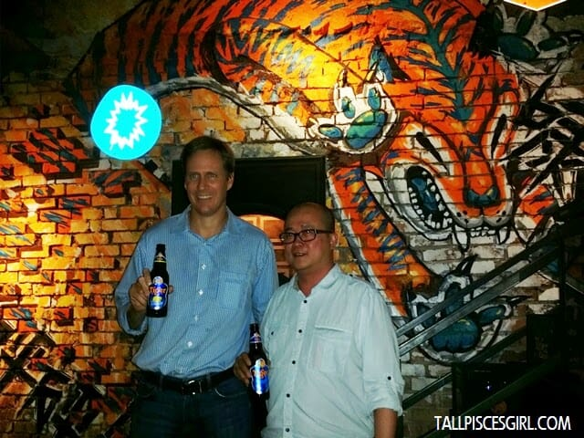 Tai See Wai (Marketing Manager, Tiger Beer) and Bruce Dallas (Marketing Director, GAB) at the Translate Art Bar
