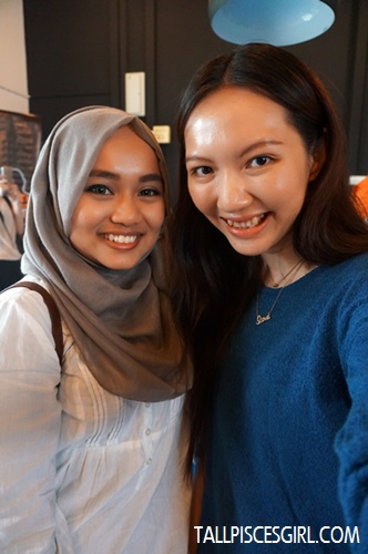 With fellow blogger, Mira Cikcit