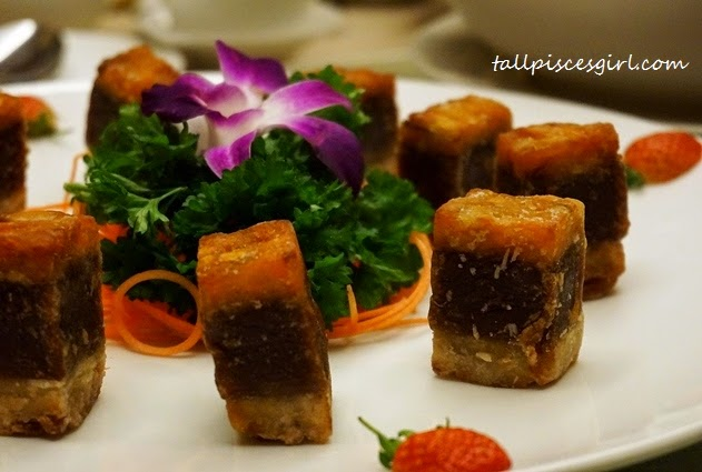 Fried Traditional Nian Gao with Yam and Sweet Potatoes (芋头红薯炸年糕)