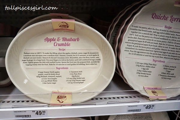Bakeware with Suzy Apple & Rhubarb Crumble Recipe